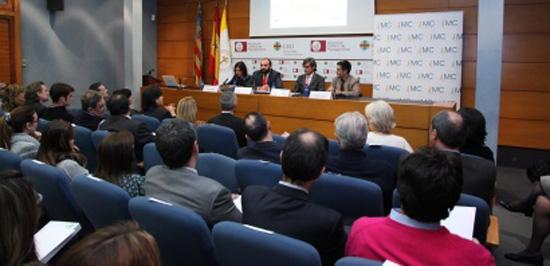 Imagen de la conferencia de Carlos Escario en la CEU-UCH.